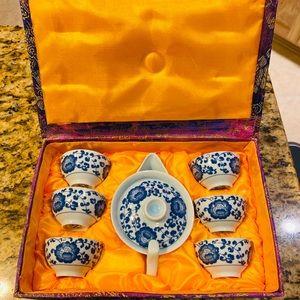 Tea pot gift set